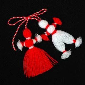БАН разказва за българската традиция за закичване с мартеница
