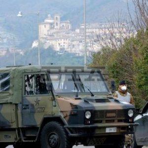 Едноминутно мълчание и свалени наполовина знамена за жертвите на Ковид-19 в Италия