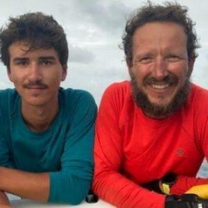 Българи прекосиха Атлантическия океан с гребна лодка (видео)