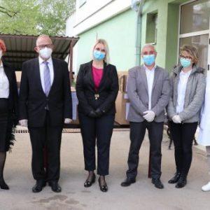 България предостави 132 защитни костюма в помощ на българското национално малцинство в Сърбия
