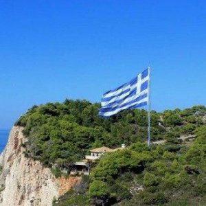Гърция иска свободно движение в Европа. Испания въвежда 14 дни карантина за пристигащи