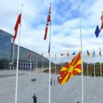 Знамето на Северна Македония беше издигнато пред централата на НАТО в Брюксел
