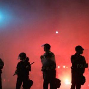 Снощи бяхме свидетели на най-бруталното политическо насилие през последните няколко години, заяви сръбският президент