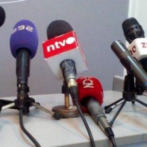 Zamračenim ekranima protiv neprijateljstva vlasti prema novinarima